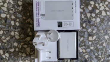 HyperJuice 100W GaN 充電器開箱,手掌大就能同時餵飽筆電和手機