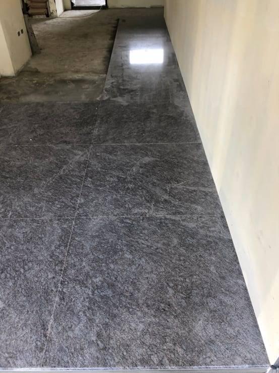 地坪石材鋪貼持續成型中!