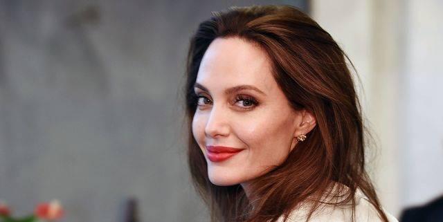 Angelina Jolie Sudah Beberapa Kali Berkencan Semenjak Cerai