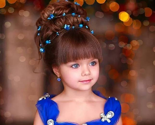 Anak Ini Viral Dianggap Paling Cantik Sedunia Matanya Indah Banget
