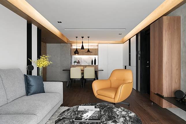 6. 深色木地板