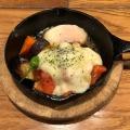 チーズトマトハンバーグ - 実際訪問したユーザーが直接撮影して投稿した千駄ケ谷ビストロSALON BUTCHER & BEERの写真のメニュー情報