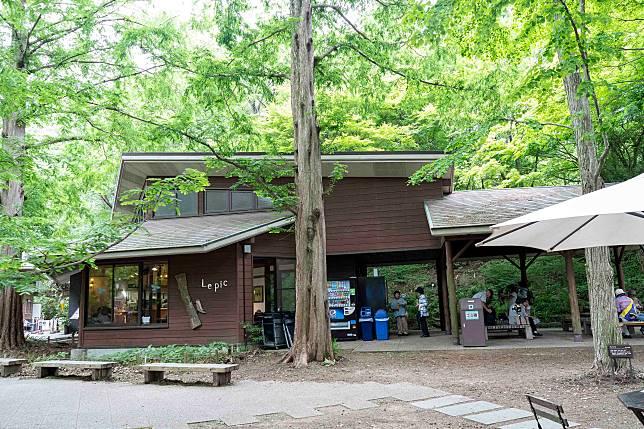 正門入口處設有Cafe,走到累時可以入內進食休息。