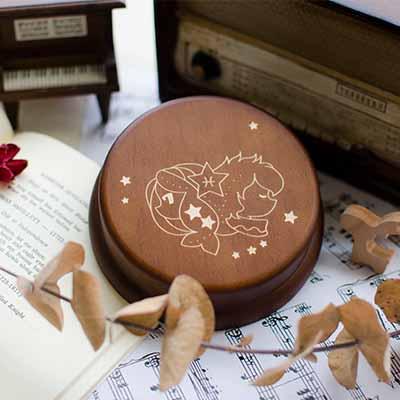 雙魚座的音樂盒,客製您想要的文字。