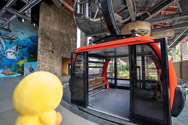 纜車都好大,可容納近24名乘客。