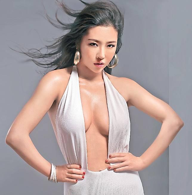 崔碧珈自爆同吳浩康而同居一年。
