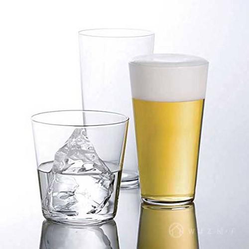 早期以生產玻璃瓶罐產品為主。現於岩倉、東京、姫路、福崎等皆有自己的製造工廠。1962年針對零售市場的需求成立了玻璃食器專屬品牌 「ADERIA GLASS (アデリアグラス)」,並屢次於日本「Good