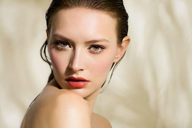 7 Tips Makeup untuk Kamu yang Memiliki Kulit Kering