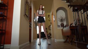 世界紀錄長腿解接身高208公分,腿長佔60%