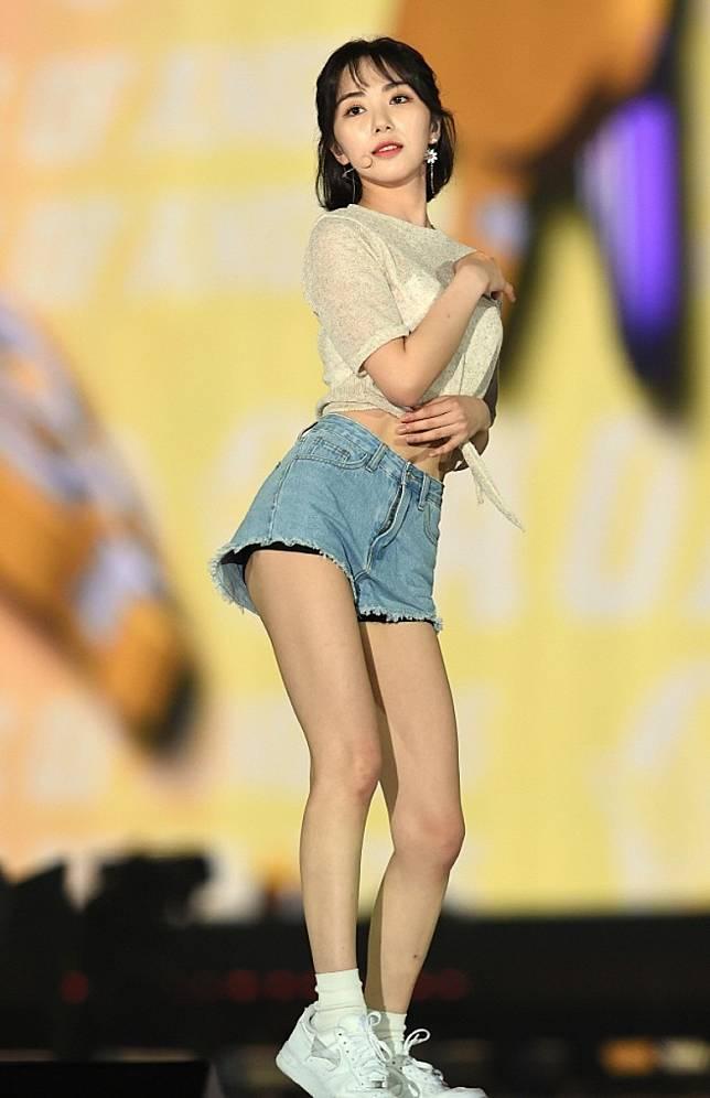 珉娥去年退出AOA。