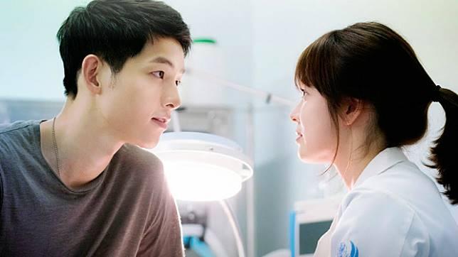 Soong Jong Ki dan Song Hye Kyo dalam serial drama Korea.
