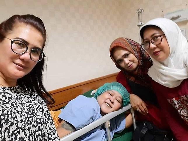 Suti Karno mengungkapkan keluh kesahnya di akun Instagram pribadi miliknya.*
