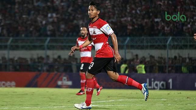 Pelatih Madura United Memuji Debut Kadek Raditya