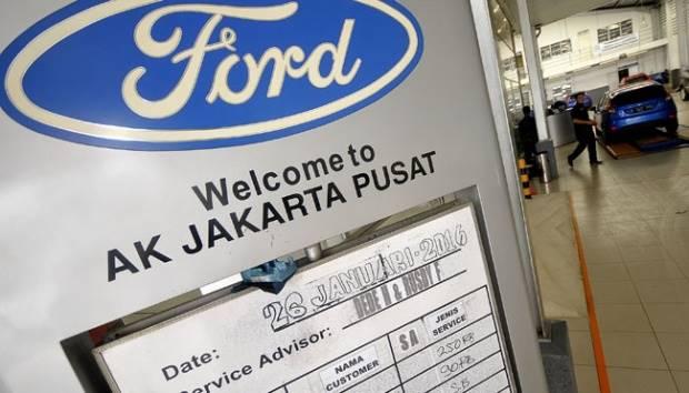 Suasana servis center dan penjualan mobil Ford di Jakarta, 26 Januari 2016. Penutupan Ford Motor Indonesia meliputi dealership serta menghentikan penjualan dan impor resmi semua kendaraan Ford. TEMPO/Tony Hartawan