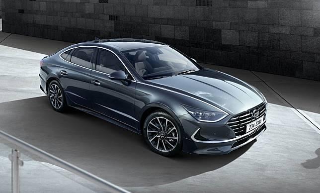 Hyundai Umumkan Harga Mobil Sedan Pesaing Toyota Camry Jauh Lebih Murah Otosia Com Line Today