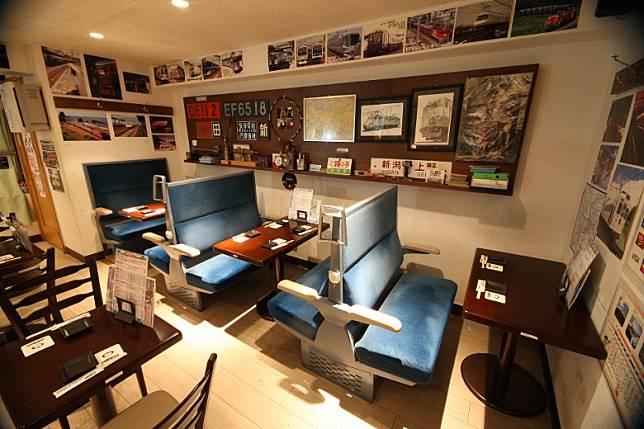 店內布置充滿列車風味的鐵道居酒屋Little TGV,即日起至5月12日會舉行衍生活動。(互聯網)