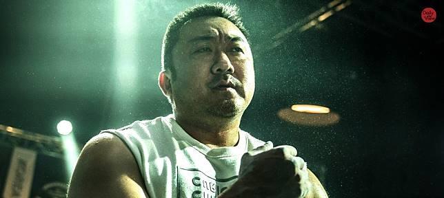 孔劉健身教練+宋智孝老公!你不知道的《與神》、《屍速》招牌「馬可愛」