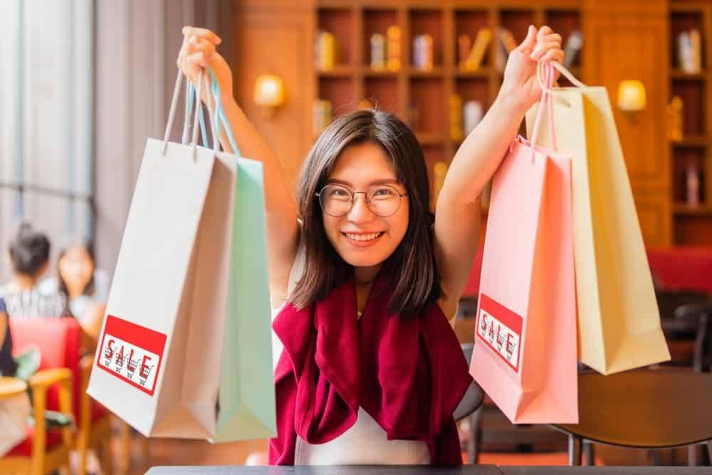 Kenapa Kita Suka Impulsif Membeli Barang yang Tidak Dibutuhkan? |  HelloSehat.com | LINE TODAY