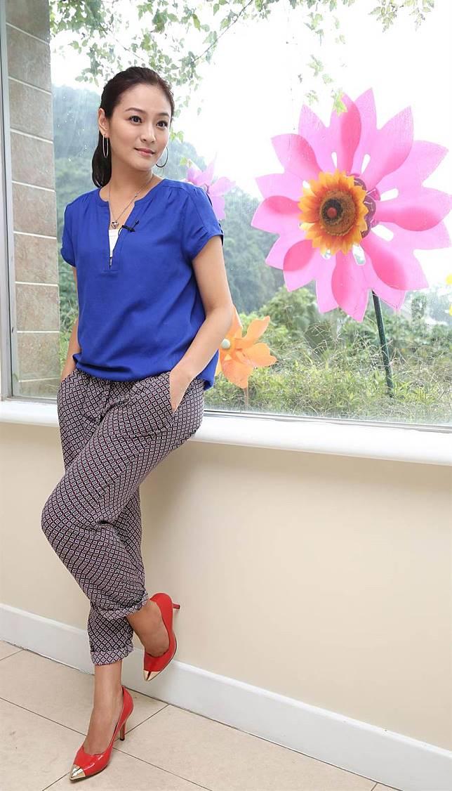 「花系列」女星素顏美爆表特版 網友驚呆:長這樣47歲?