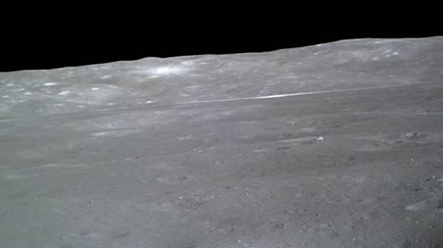 China Bagikan Foto Cantik dari Misi Sisi Jauh Bulan. (Technic Spatiales)