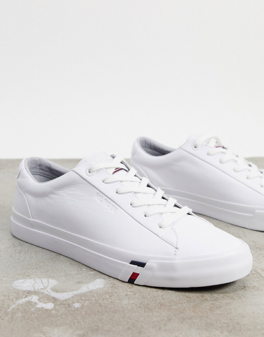 Trainers by Tommy Hilfiger Unboxing potential: considerable Lace-up fastening Padded for comfort Sma