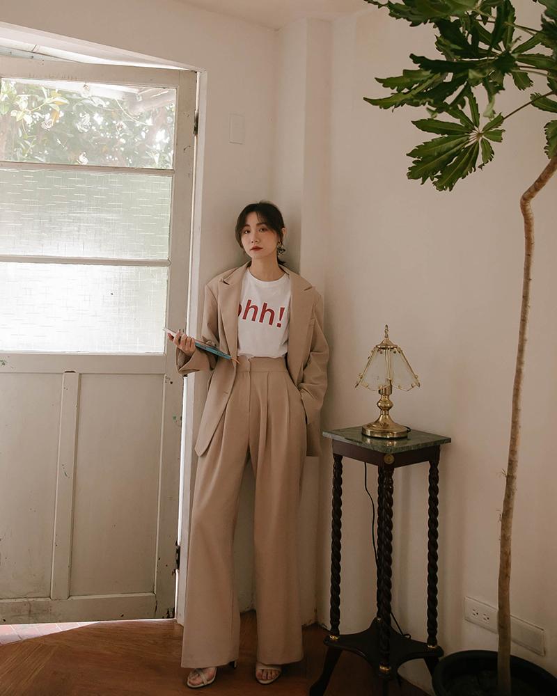 造型腰頭/褲管打折/兩側口袋/韓國商品