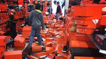 在黑色星期五購物日當天 Nike 海外 Outlet 裡面居然變成了這付慘況...