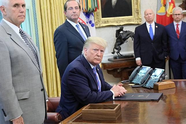 Trump nyatakan razia keimigrasian akan dimulai
