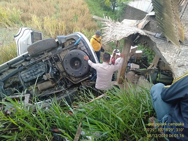 Kecelakaan di Campaka, Mobil Pajero Terperosok ke Sawah