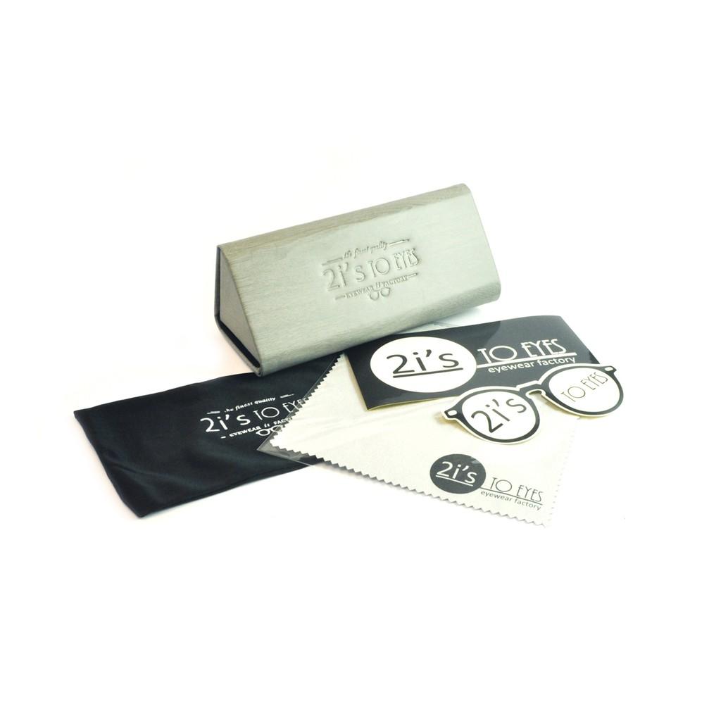 產品資訊: 產品: 2is_BX03Wc 類型: 折疊 / 磁石開口 色系: 木紋灰色 (附送的眼鏡袋會隨季而更新顏色喔, 煩請見諒) 產品類別: 三角形眼鏡盒 材質: 紙 / 仿皮 Size: a.