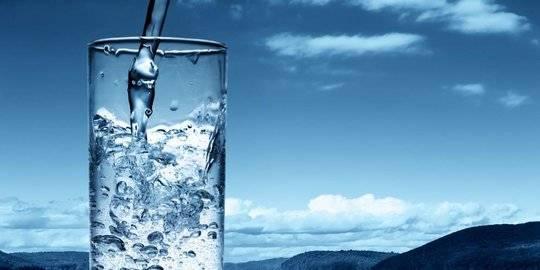 Manfaat Luar Biasa Mengonsumsi Air Yang Disimpan Di Kendi Tanah Liat Merdeka Com Line Today