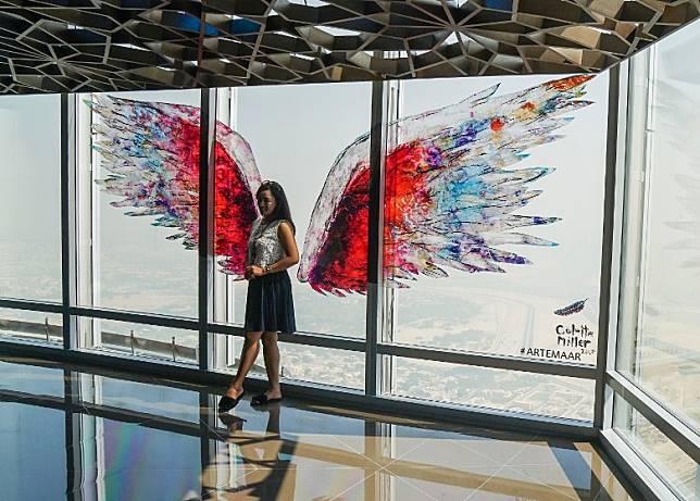 場內有不少打卡位,包括這幅玻璃天使翼。(單身旅子攝)
