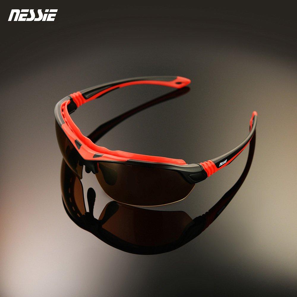 眼睛應做防曬 阻隔強光與紫外線變色偏光鏡片 抗UV400安全耐衝擊 包覆式鏡架設計時尚流線造型 變色片可在夜晚或陰天配戴台灣品牌有保障