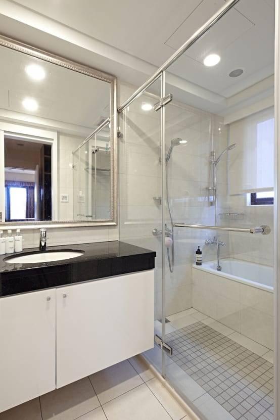 13. 光潔的現代風浴室
