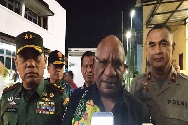 Wagub Papua minta maskapai patuhi keputusan Menhub