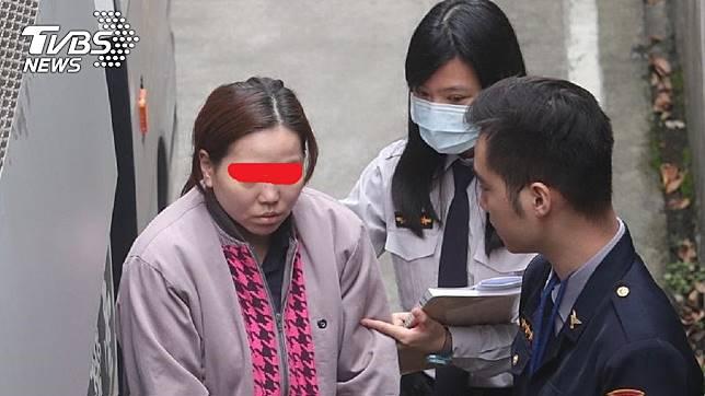 戚女因去年虐待97歲的公公,事後依家暴傷害致死罪遭起訴。(圖/中央社)
