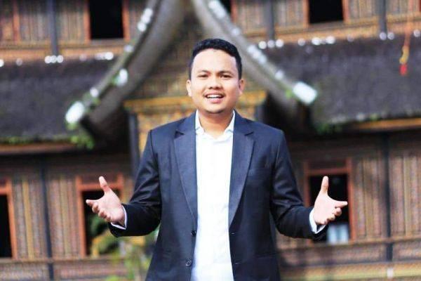 Pri Menix Dey, akrab dipanggil Menix adalah salah satu sarjana muda Fakultas Peternakan IPB yang berani berjalan di jalan sunyi.