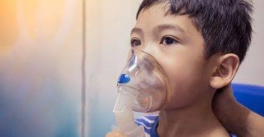 闢謠!「噴霧蒸氣吸入治療」會有依賴性如同吸毒?