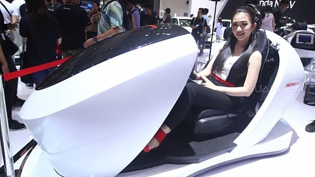 Rasakan pengalaman VR Honda Sensing [Suara.com/Muhaimin A. Untung].