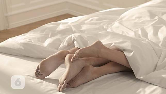 Tips Bercinta Buat Bikin Suami Tahan Lebih Lama