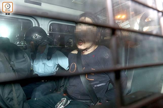 警方在花園街近快富街交界擒獲賊人。(沈厚錚攝)