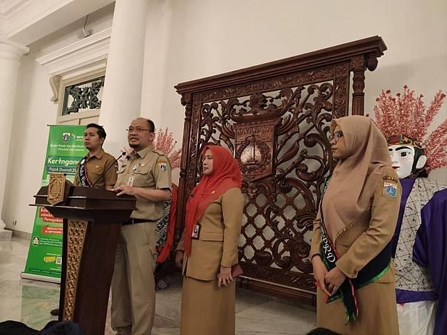 Kepala BPRD DKI Jakarta, Faisal Syafruddin mengumumkan potongan PKB untuk warga  Jakarta