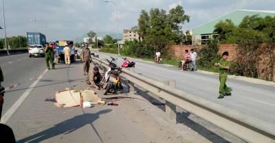 Tông xe ba gác chở thanh nhôm, nam thanh niên đi xe máy thiệt mạng