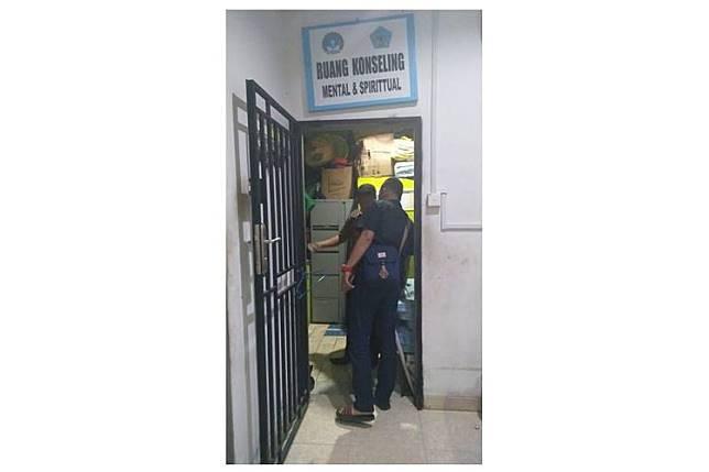 Sel tahanan yang ada di sebuah SMK swasta di Batam. Ruangan yang dinamakan Ruang Konseling ini menjadi tempat untuk menghukum siswa.(Dok. KPAI) Artikel ini telah tayang di Kompas.com dengan judul