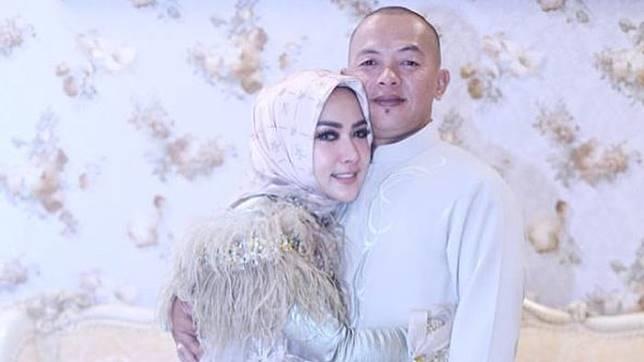 5 Momen Kebersamaan Syahrini dengan Almarhum Kakaknya, Ibadah hingga Travelling Bareng