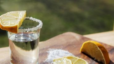 酒鬼們開喝啦!研究新發現:「Tequila Shot有助於減肥、降血糖」這些好處妳一定要知道...