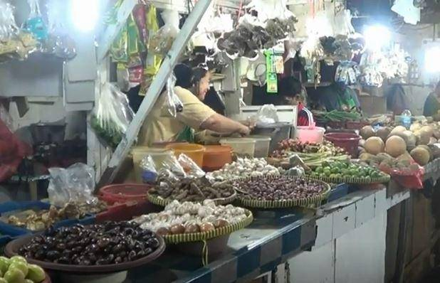 Penjual jahe dan Kunyit di Depok, Rabu (4/3/2020) (Foto: iNews/Iyung Rizky)