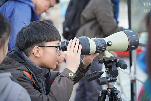 香港麻鷹公眾普查為為公民科學活動。