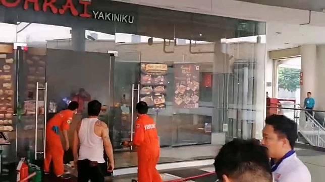 หนีตายกันจ้าละหวั่นไฟไหม้ป่องระบายควันร้านปิ้งย่างญี่ปุ่นในห้างเมกาบางนา