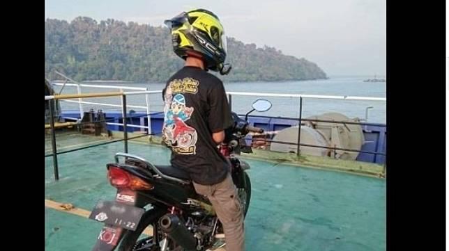 Curhat Pemotor Selalu DiklaksoninOrang Saat Di Jalan. (Facebook)